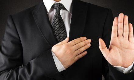 Wat is de eed dat door artsen wordt afgelegd na de opleiding